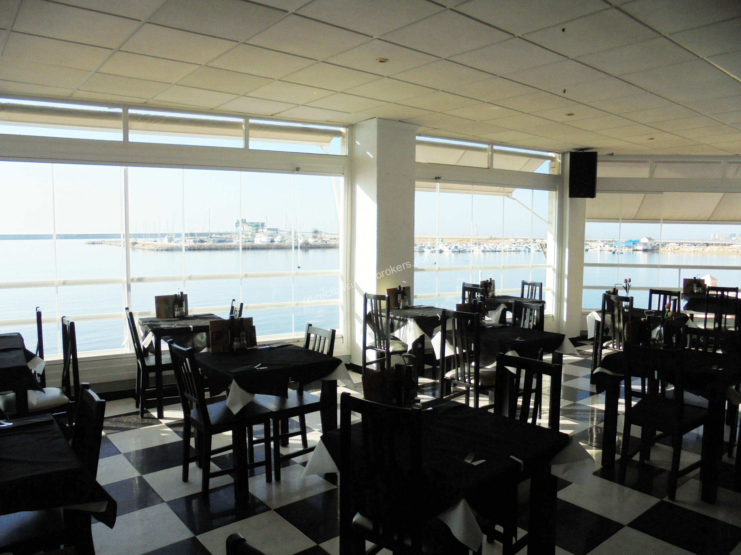 Front Line Restaurant With Beach Level Outlet in Torrevieja (1201)