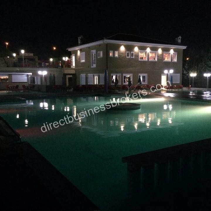 Large family based restaurant with 3 swimming pools (1175)