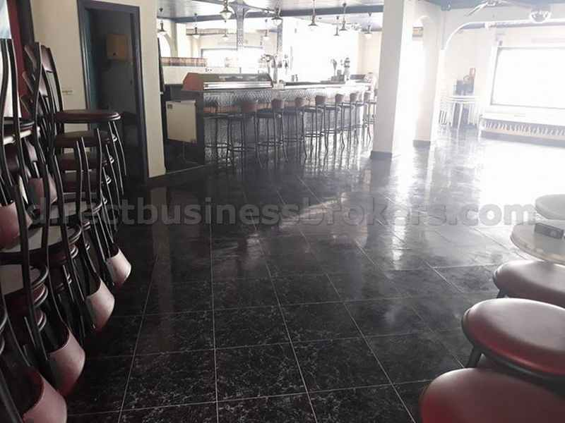 Retirement Sale – Themed Bar Main Road Position