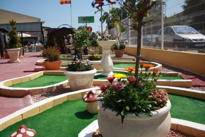 Restaurant and Bar with a 18 Hole Mini Golf Course
