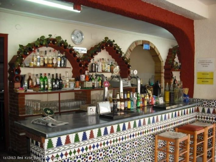 Bar & Swimming Pool Complex for sale in Torrevieja 140,000 €