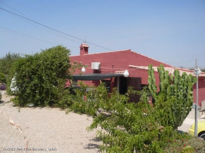 Cattery with 2 Bedroom Accommodation In Cartagena