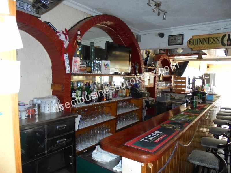 Bar With Accomodation – Popular Area Torrevieja (1142)