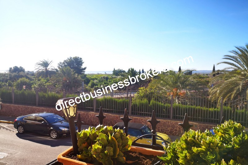 3-bedroom-house-and-commercial-unit-los-montesinos-1