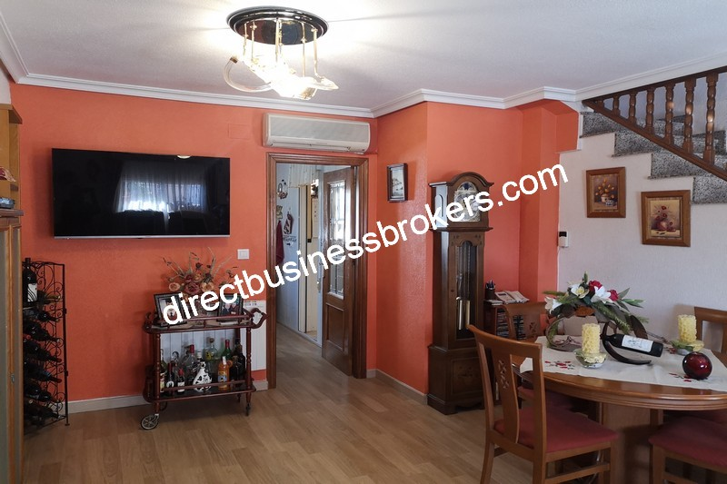 3-bedroom-house-and-commercial-unit-los-montesinos-5
