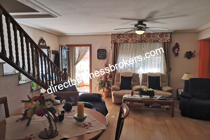 3-bedroom-house-and-commercial-unit-los-montesinos-8