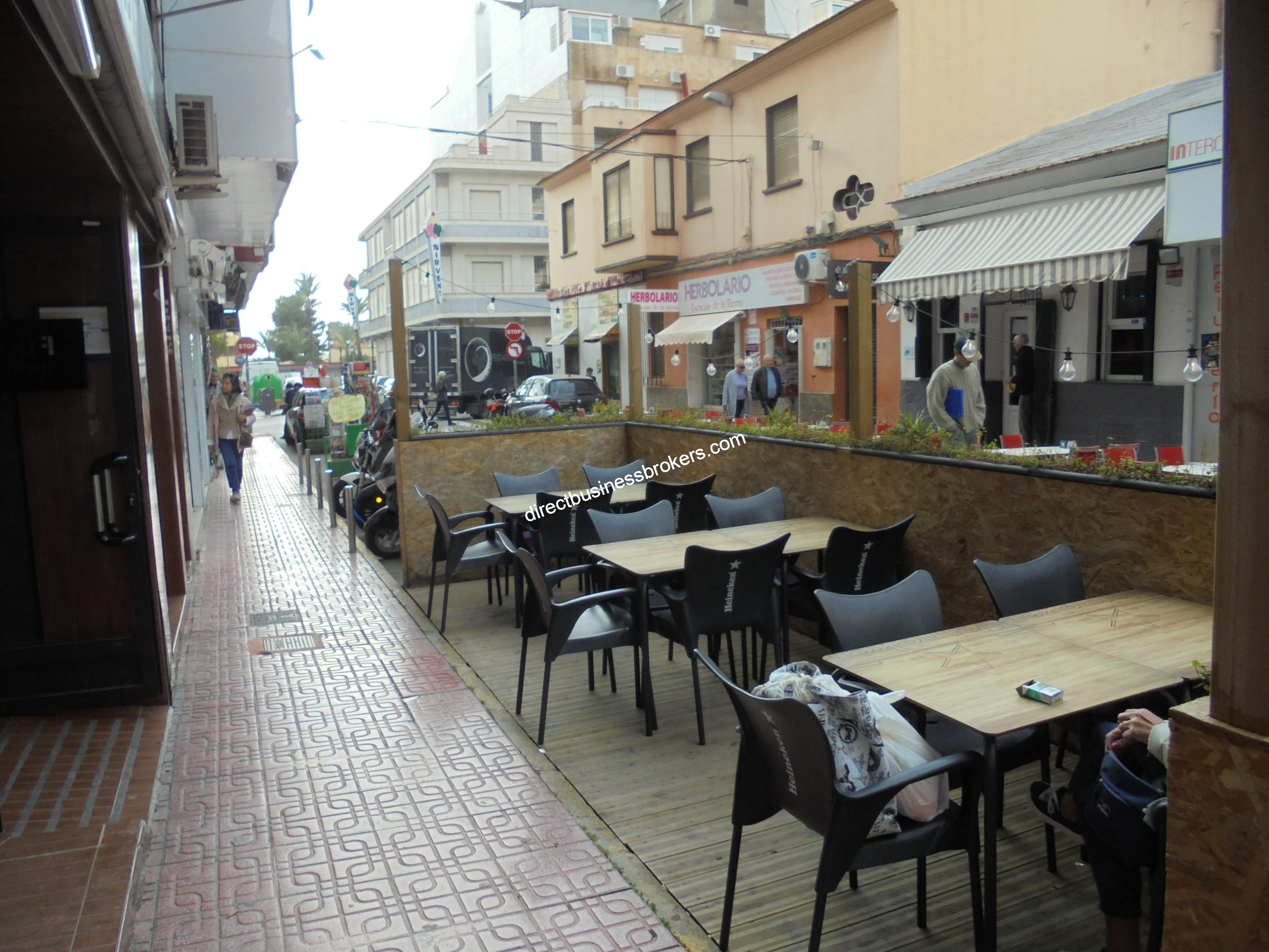 Very Busy Bistro on Main Road in Torrevieja Town Centre (1247)