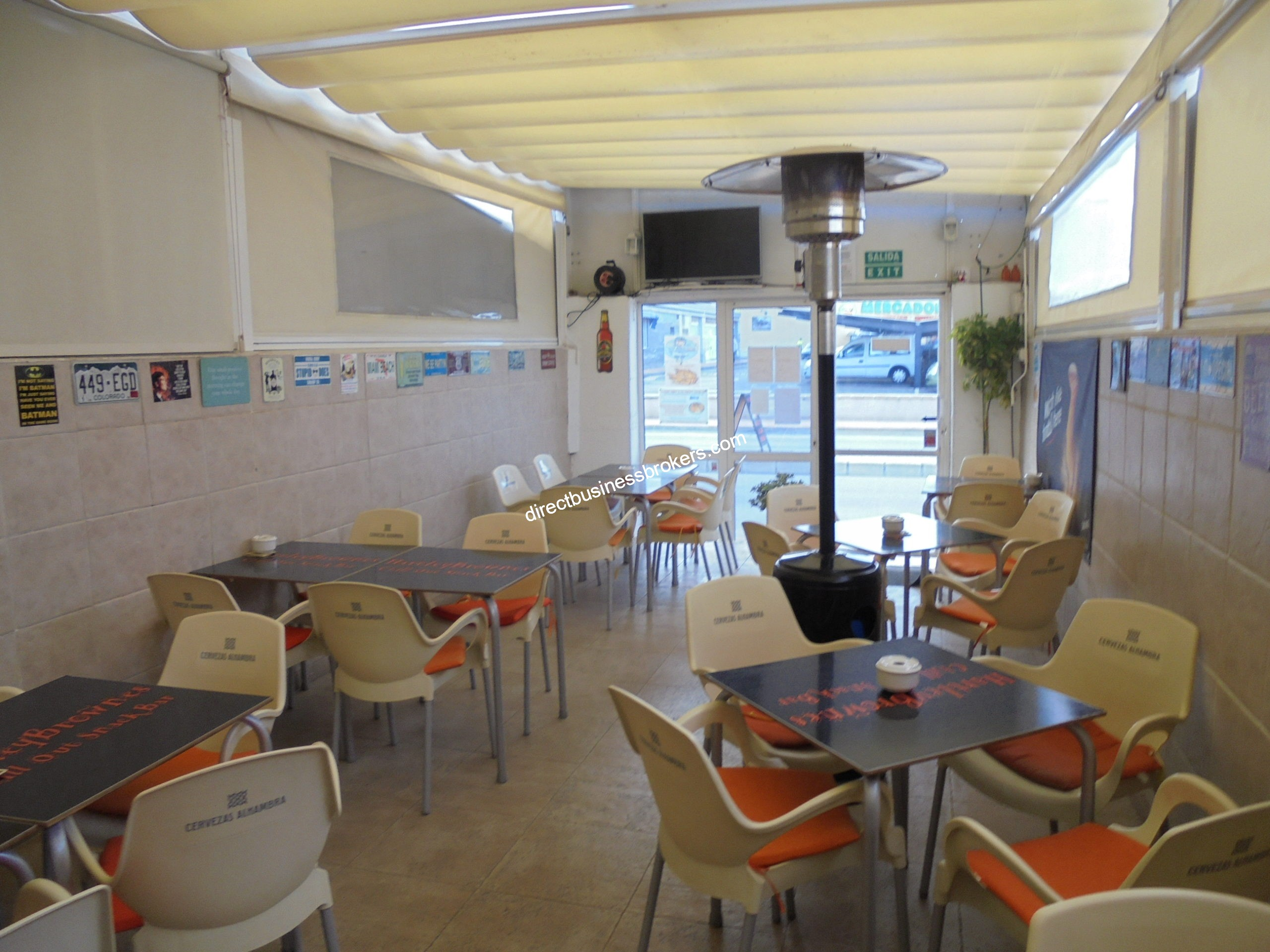 Busy Compact Sports Bar With 2b Apartment Main Road Position (1252)