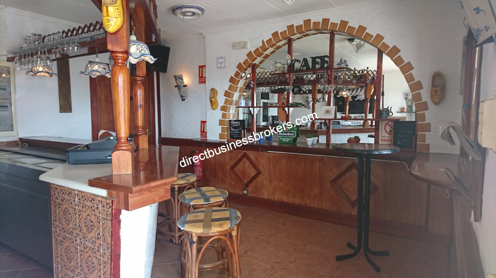 Well Established Bar in La Marina – Freehold (1223)