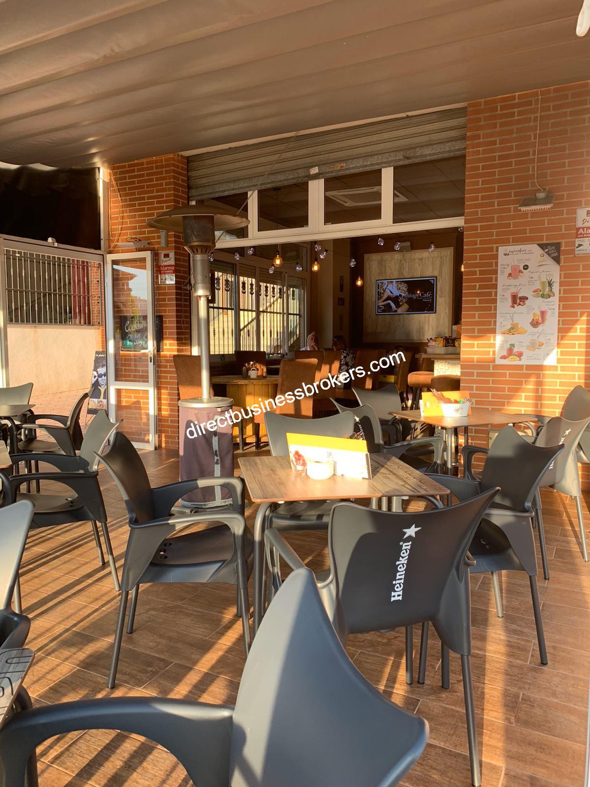Popular Pub in La Marina (1228)