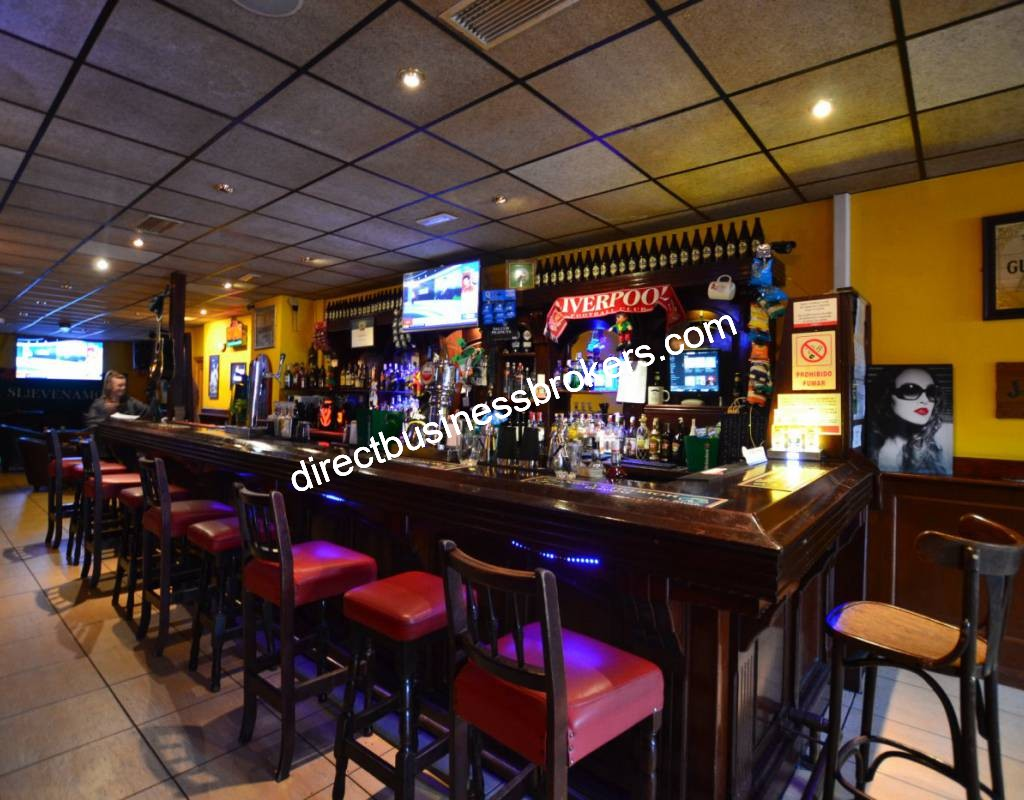 Busy Irish Bar In Cabo Roig Costa Blanca (1264)